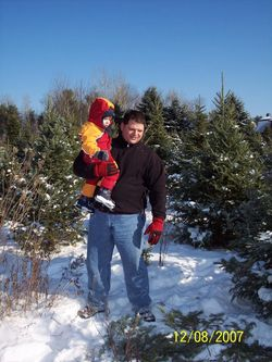 Flycessna-45913-albums-family-friends-pic1630-christmas-tree-hunting